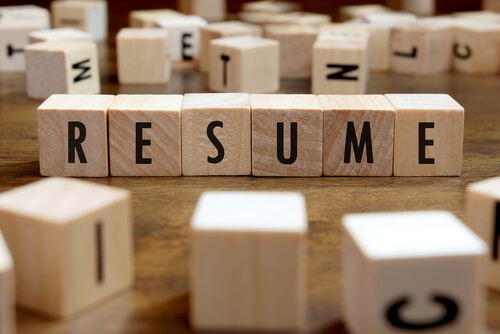 A Pre-Formatted Resume Template: 4 Reasons to be Cautious