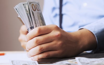 3 Ways to Become Financially Fit