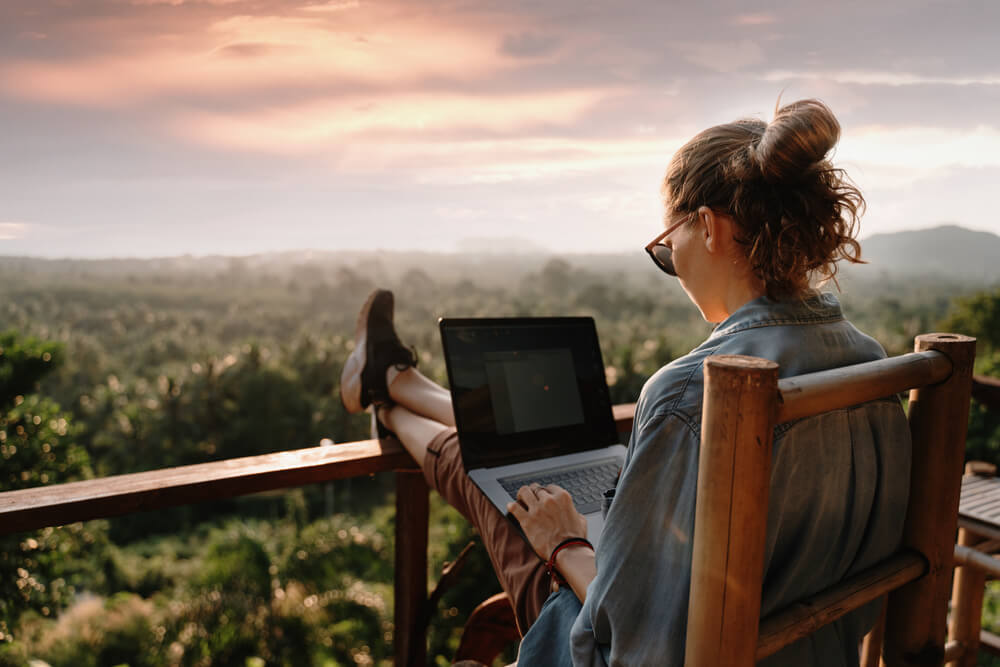 Stay Healthy While Working Remotely With these 11 Tips